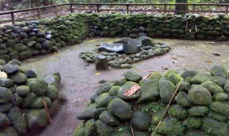 Cerita dan Mitos di Situs Karangkamulyan Kabupaten Ciamis