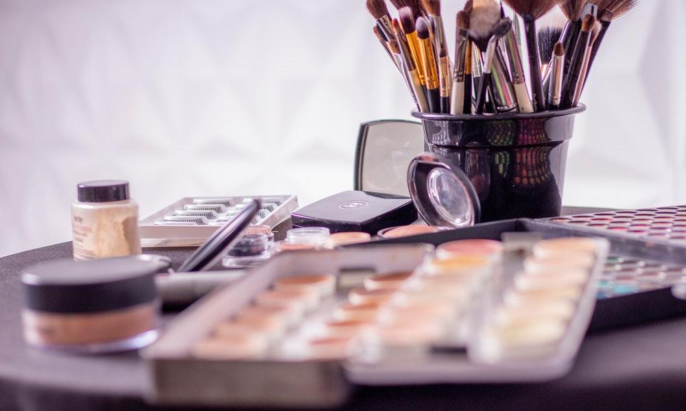 Tahapan Tutorial Makeup Natural yang Harus Anda Lakukan agar Terlihat Cantik Alami